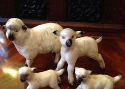 Beswick Ewe and lambs